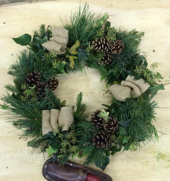 Au_Natural_Christmas_Wreath_www.DebbieCooke.com_With_Bows